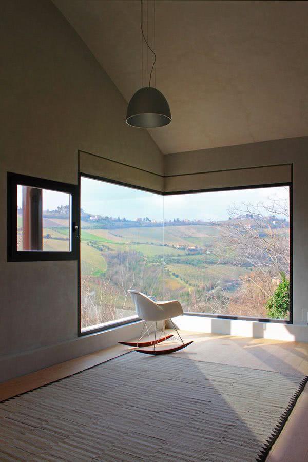 Modelos de janelas fixas que valorizam a paisagem.