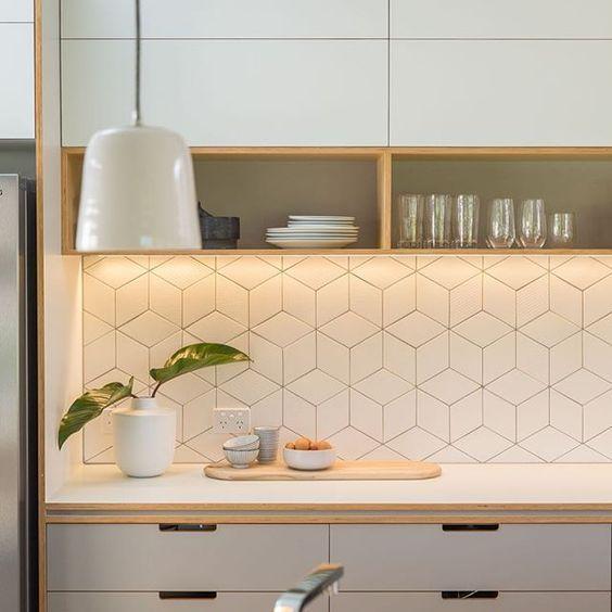 Revestimentos para cozinha de cerâmica geométrica.