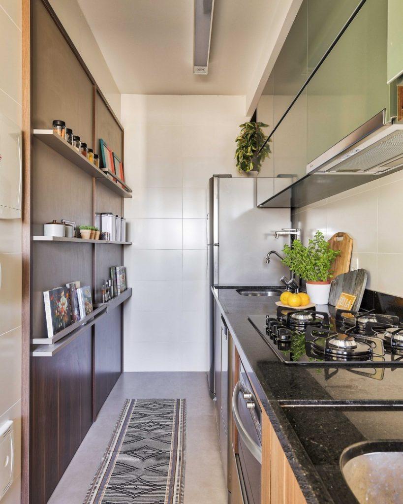 Revestimentos para cozinha tipo corredor.
