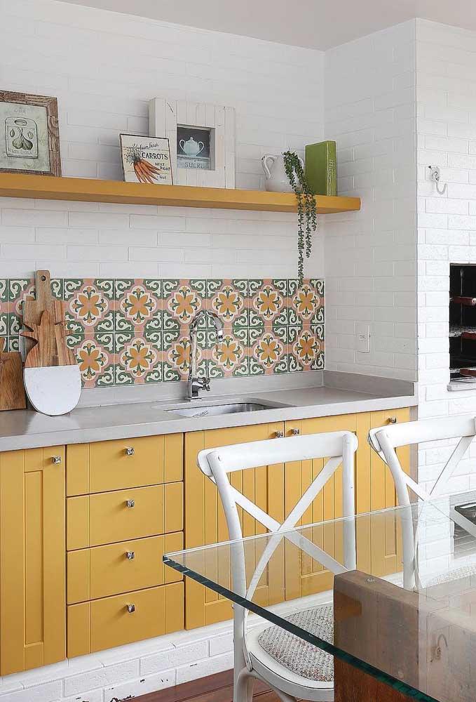 Revestimentos para cozinha colorida.