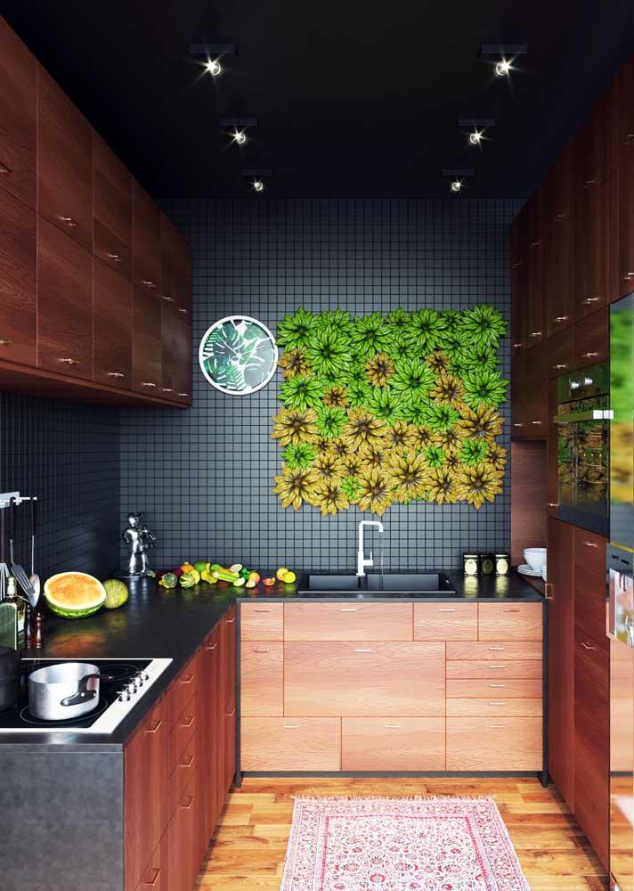 Revestimentos para cozinha moderna e escura.