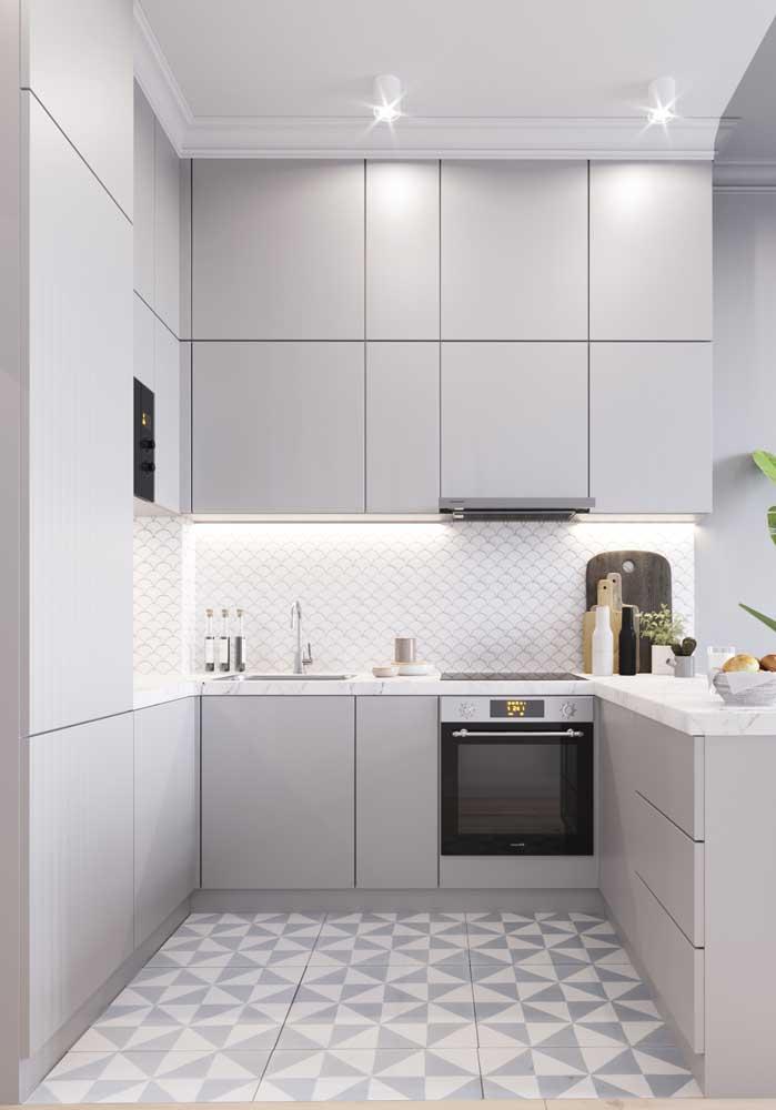 Revestimentos para cozinha pequena moderna.