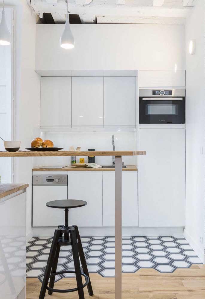 Piso moderna para cozinha branca.