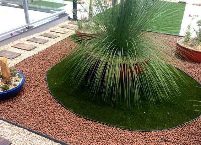 Jardim moderno com argila expandida.