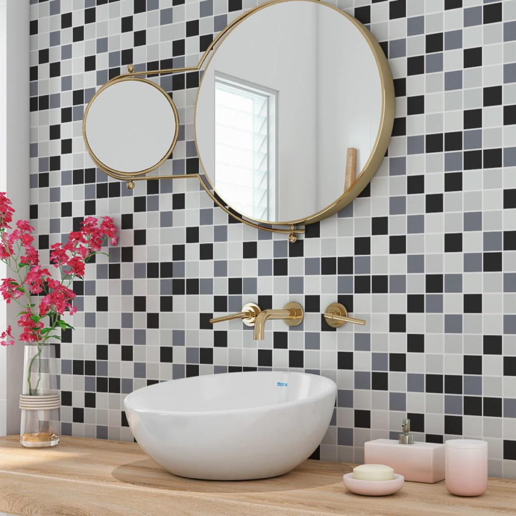 Papel de parede para banheiro com estampa de pastilha.