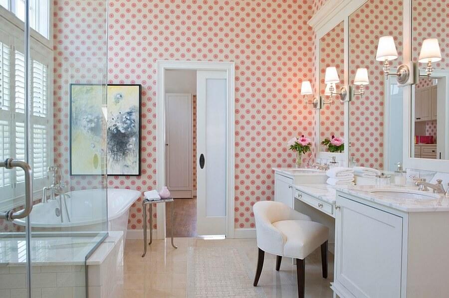 Papel de parede para banheiro rosa.