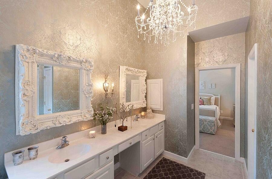 Papel de parede para banheiro dourado luxuoso.