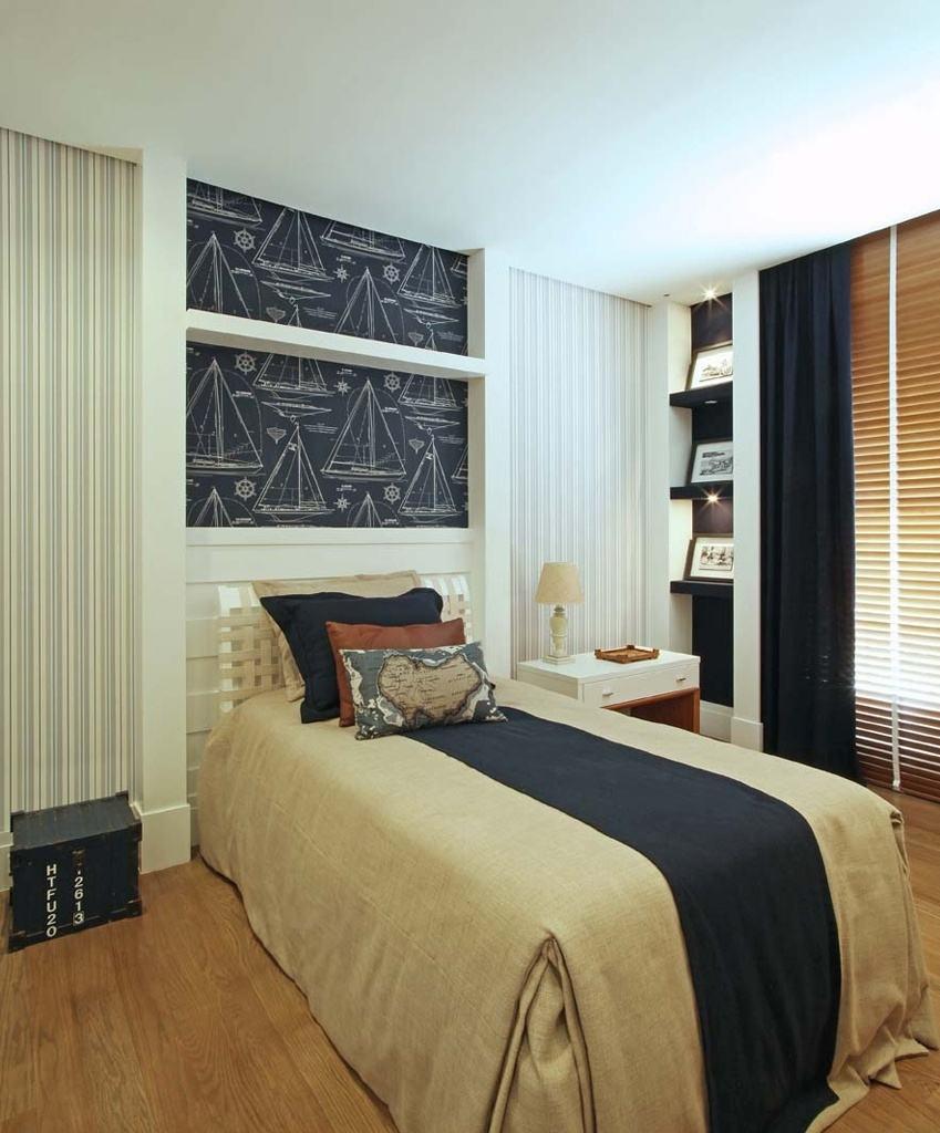 Papel de parede para quarto de solteiro com estampa de projetos de barcos.