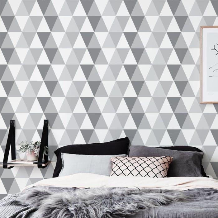 Papel de parede para quarto com estampa geométrica.