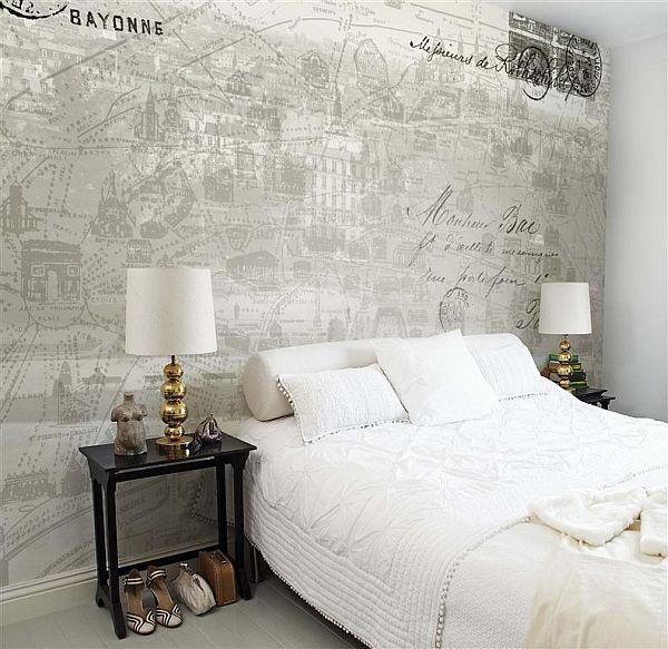Papel de parede para quarto com decoração clássica.