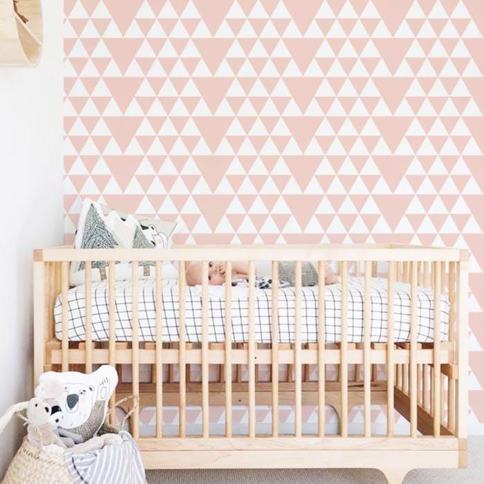 Papel de Parede para Quarto de Bebê com estampa geométrica.