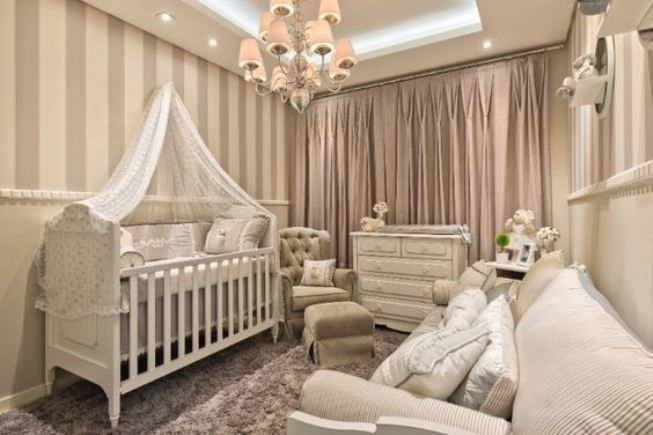 Papel de Parede para Quarto de Bebê luxuoso neutro.