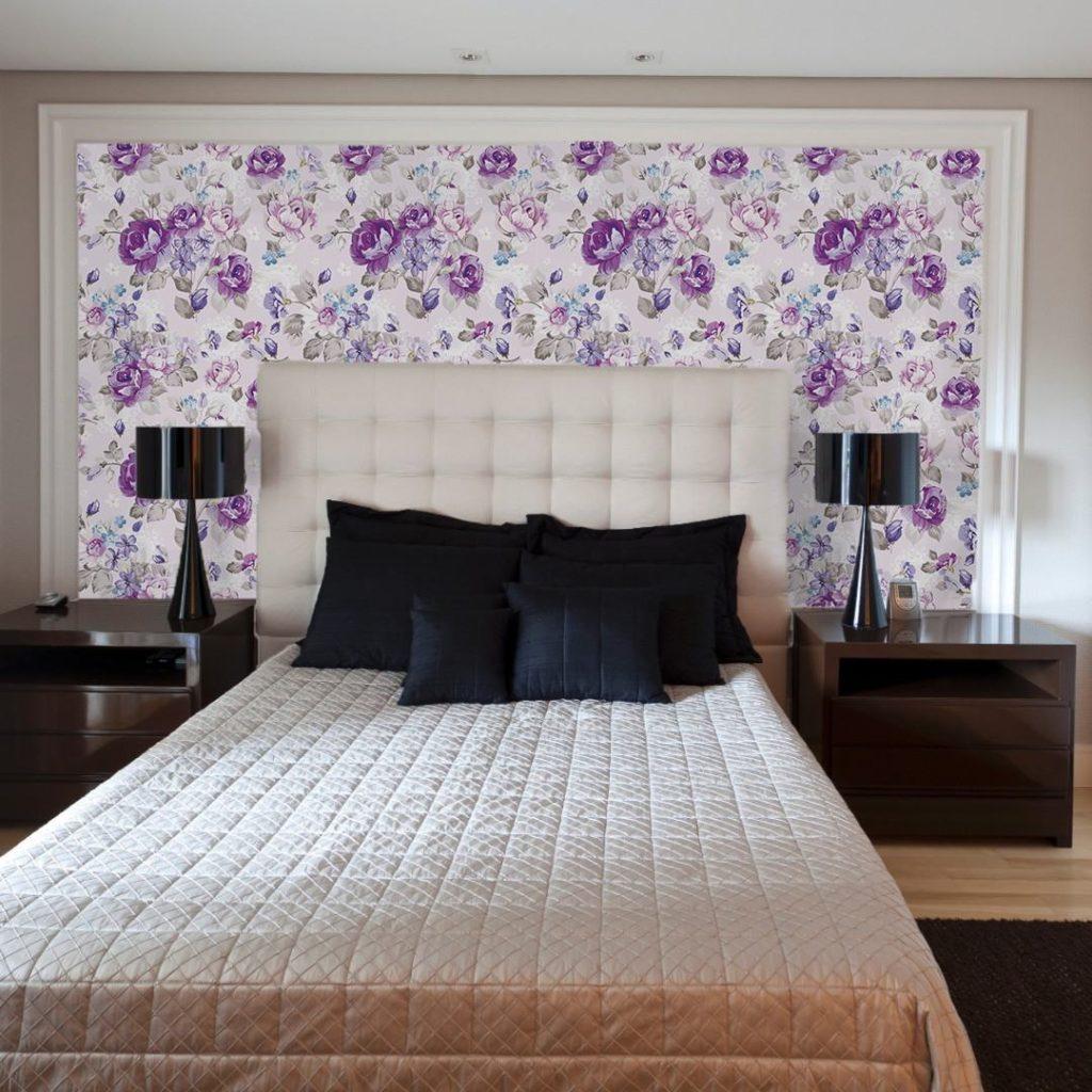 Papel de parede para quarto de casal  florido.