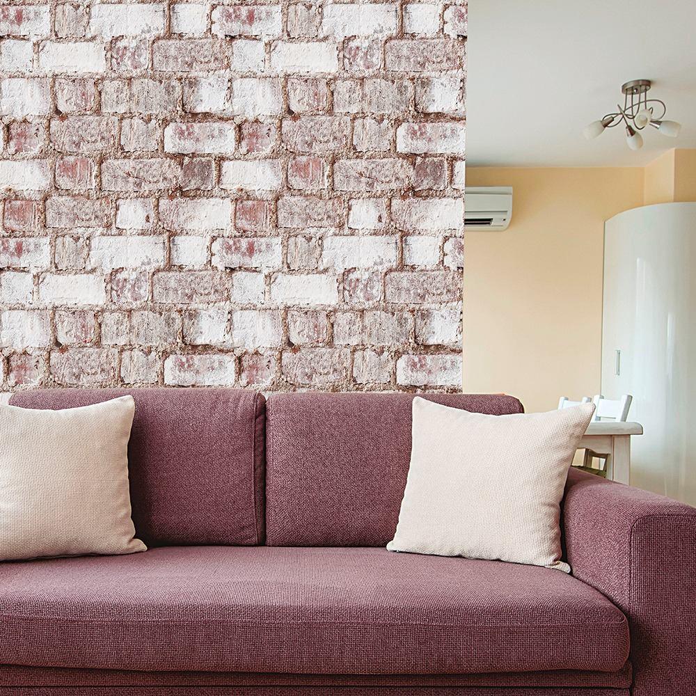 Papel de parede para sala com estampa de tijolinho.