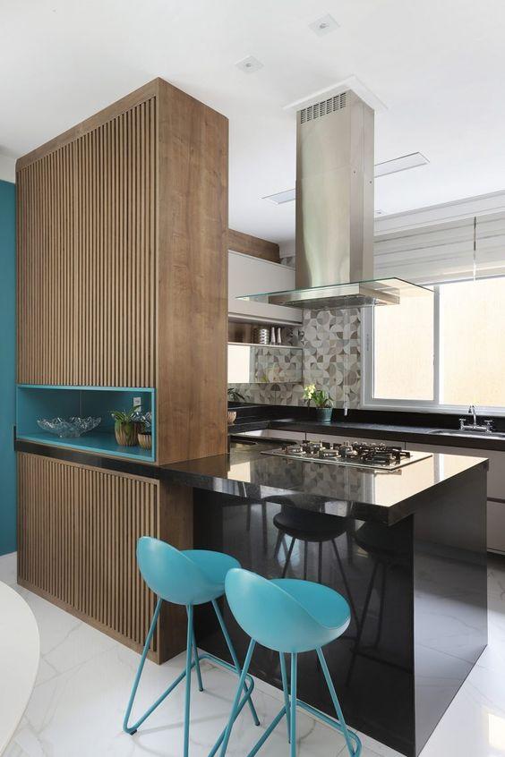 Cozinha americana moderna com Azul tiffany.