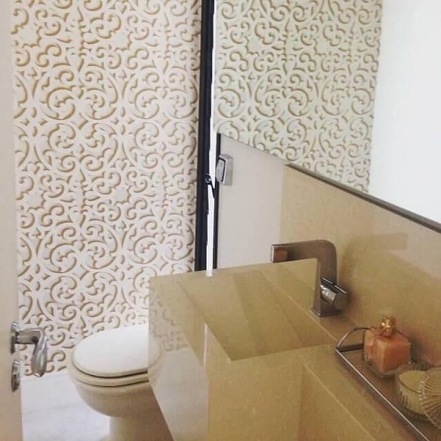 Papel de parede 3D para lavabo pequeno.