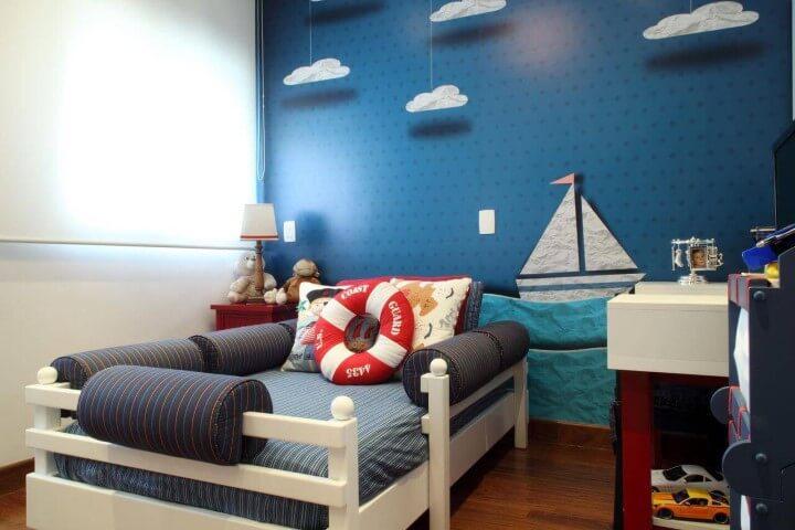Papel de parede 3D para quarto infantil com estampa de barco.