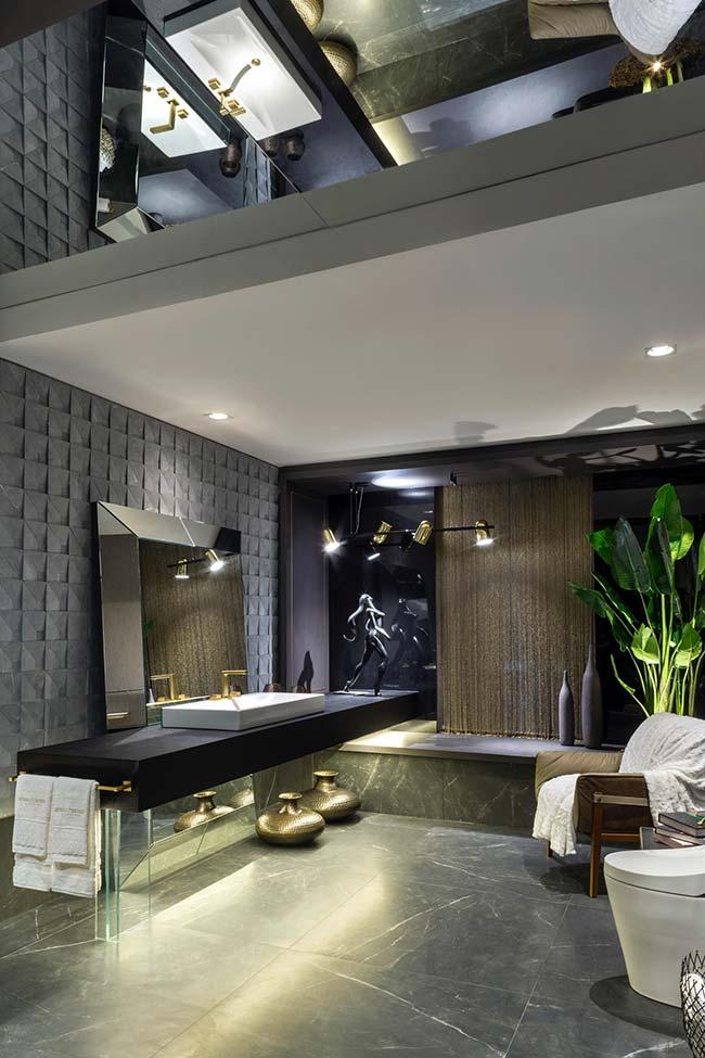Banheiro preto luxuoso.