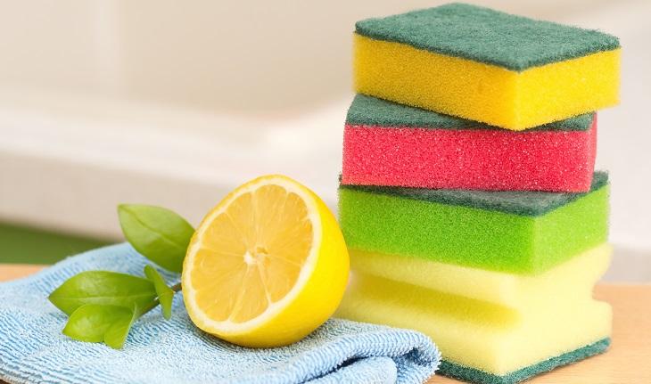 Como limpar azulejo de banheiro com suco de limão.