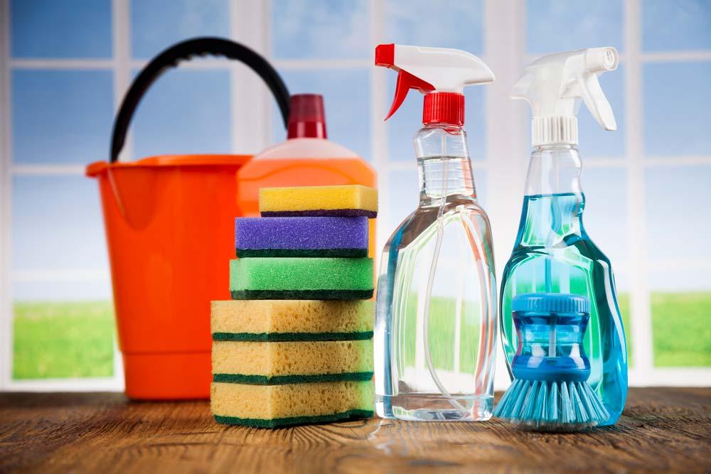 Dicas de como limpar azulejo de banheiro.