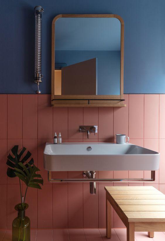 Como limpar azulejo de banheiro rosa e azul.