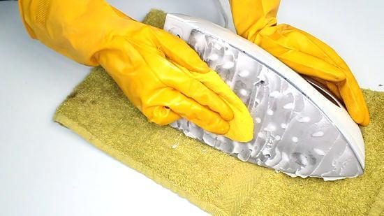 Como limpar ferro de passar com detergente e açúcar.