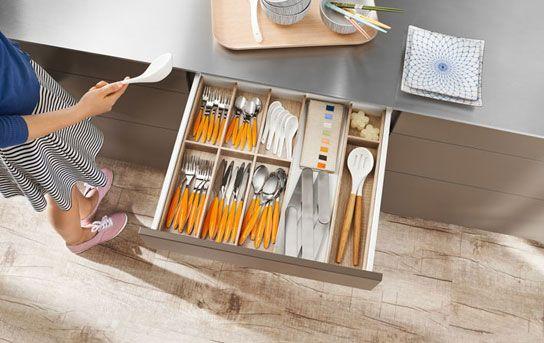 Gaveta de talheres com separador interno para arrumação da casa