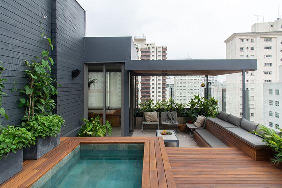 cobertura com piscina em deck elevado