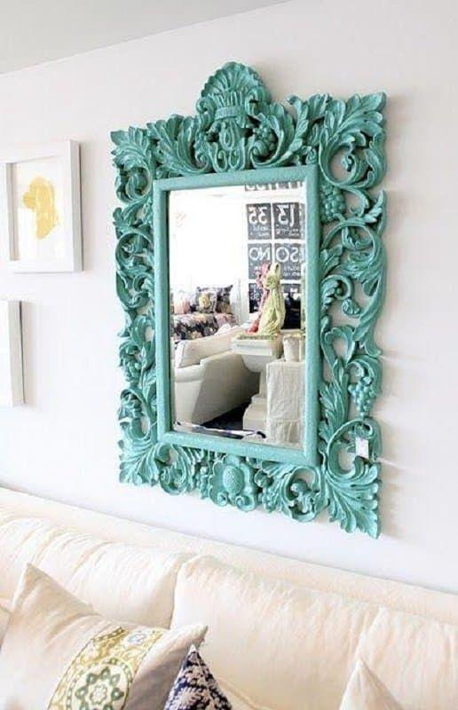 espelho com marco azul