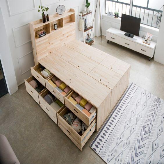 cama em madeira com gavetas organizadoras