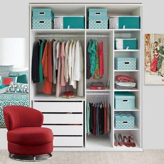 guarda roupa com caixas  organizadoras