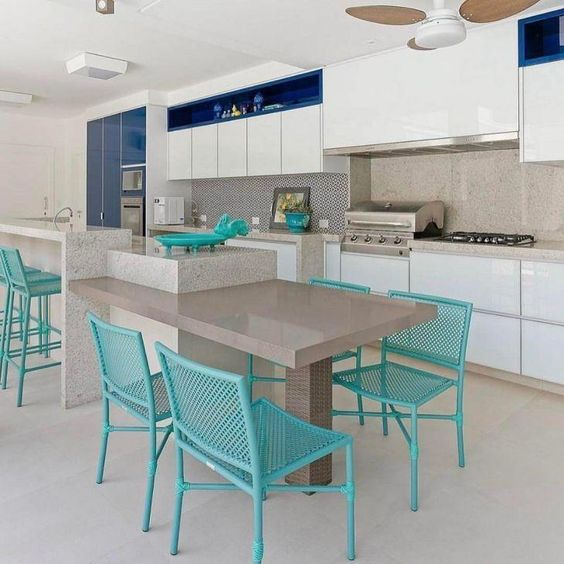 cadeiras e banquetas de cozinha