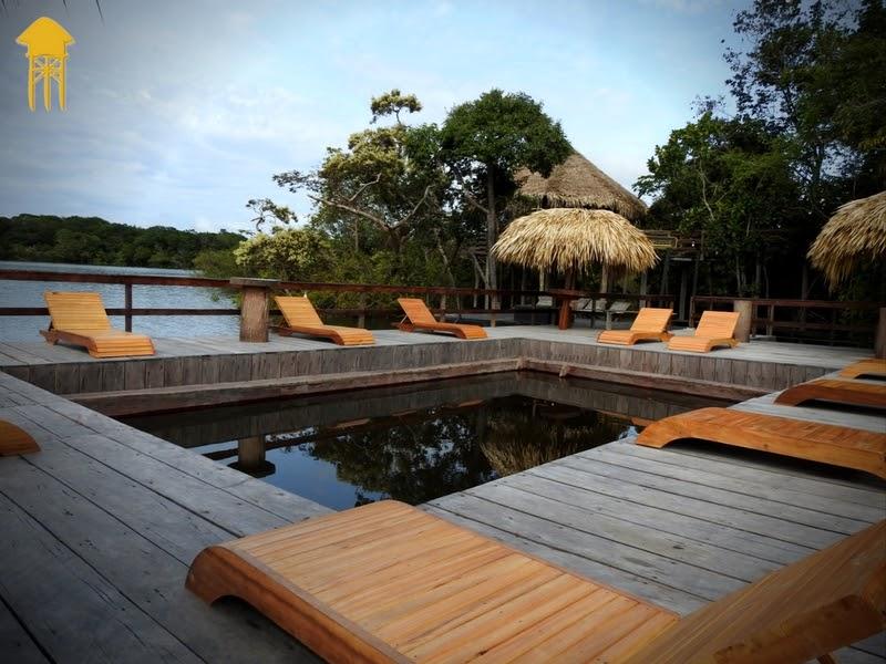 piscina deck de madeira rio amazonas