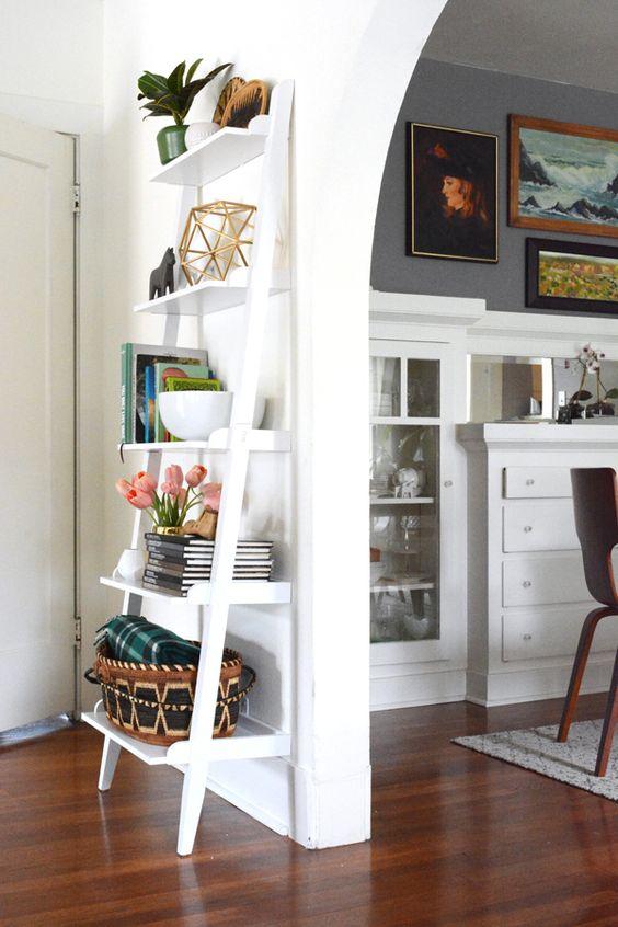 como organizar a casa com estante organizadora para salas