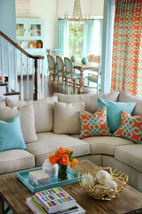 azul turquesa com laranja na decoração