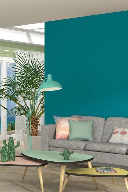 paredes e almofadas azul turquesa