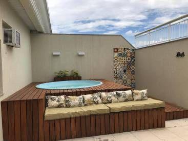 deck suspenso com espaço para sofá