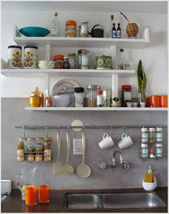 como organizar a casa com prateleiras organizadoras na parede para cozinha