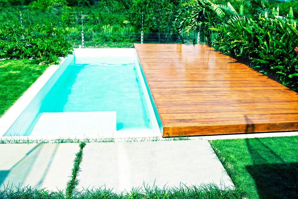 plataforma móvel de madeira