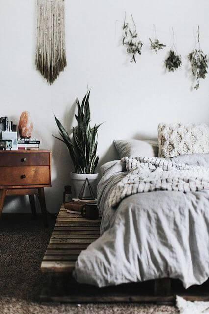 vaso com planta no dormitório