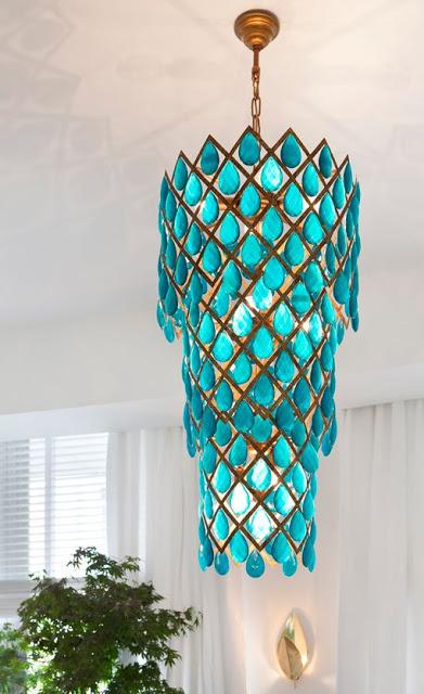 luminária com cristais azul tiffany