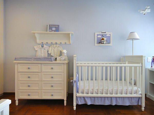 feng shui quarto bebe em tons de azul claro e branco
