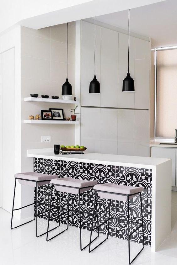 Azulejo preto e branco.