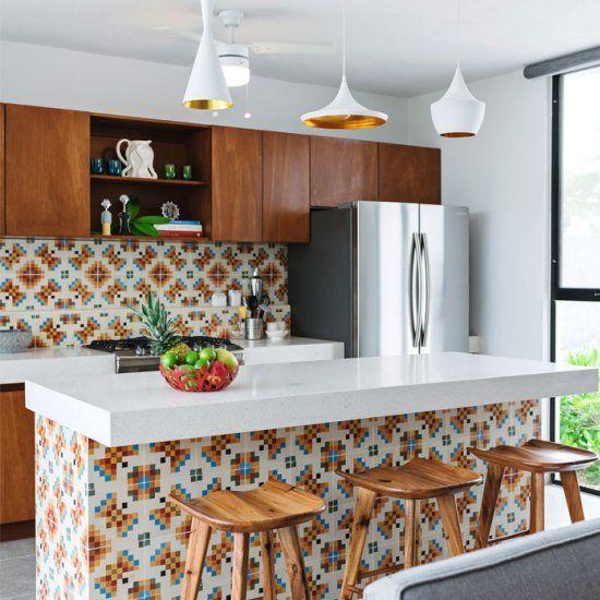 Cozinha colorida.
