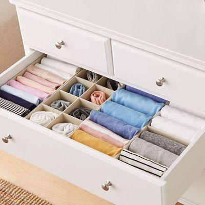 como organizar guarda roupa em gavetas