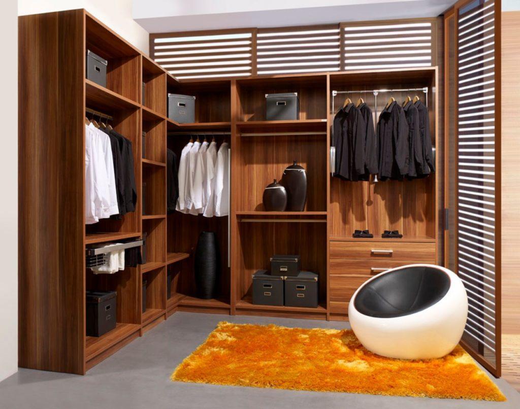 Como organizar guarda roupa masculino