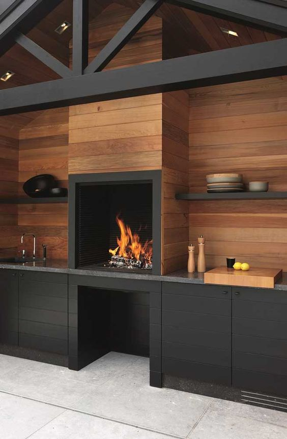 churrasqueira moderna com pisos que imitam madeira