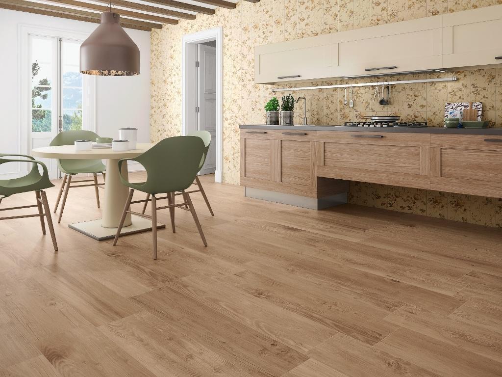 pisos que imitam madeira na cozinha