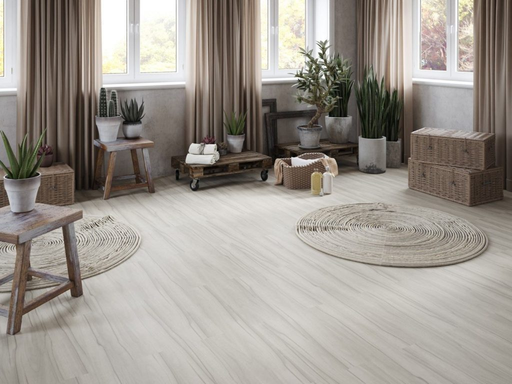 pisos que imitam madeira clara