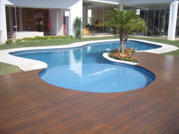 deck de piscina